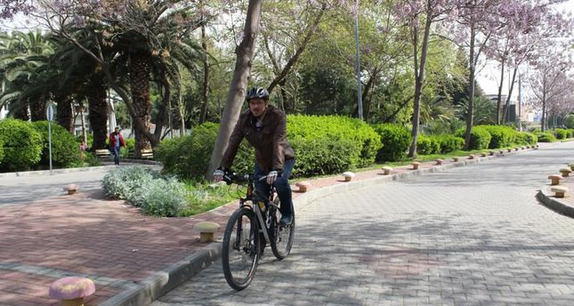 Izmir Residents Love Biking Facebook Group Encourages Cycling To